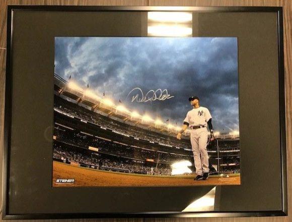 STEINER Derek Jeter Autographed 10×16 Photo
