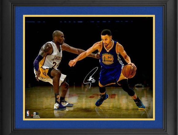 """Stephen Curry Golden State Warriors Framed Autographed 16"""" x 20"""" vs. Kobe Photograph[フレーム付き]"""